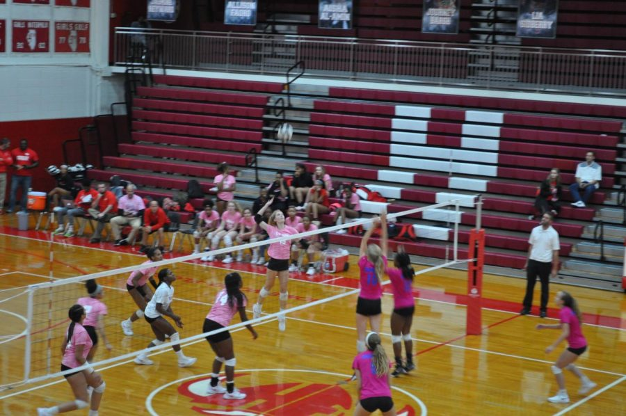 Senior+Allison+Faoro+goes+in+for+the+kill+in+an+Oct.+17+game+against+Sandburg.+The+Vikings+defeated+the+Eagles+two+sets+to+one.+