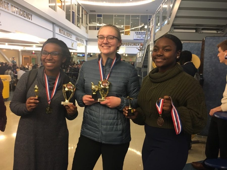 Debate team qualifies for national tournament
